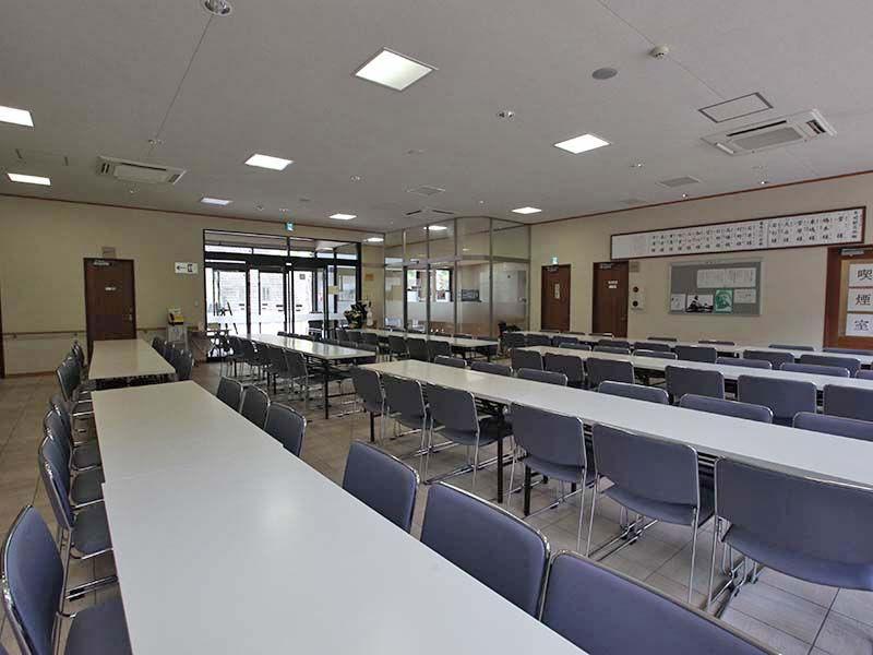 秋川霊園 広々とした多目的ホール