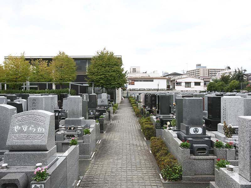 江東メモリアル 平坦に整備された墓域