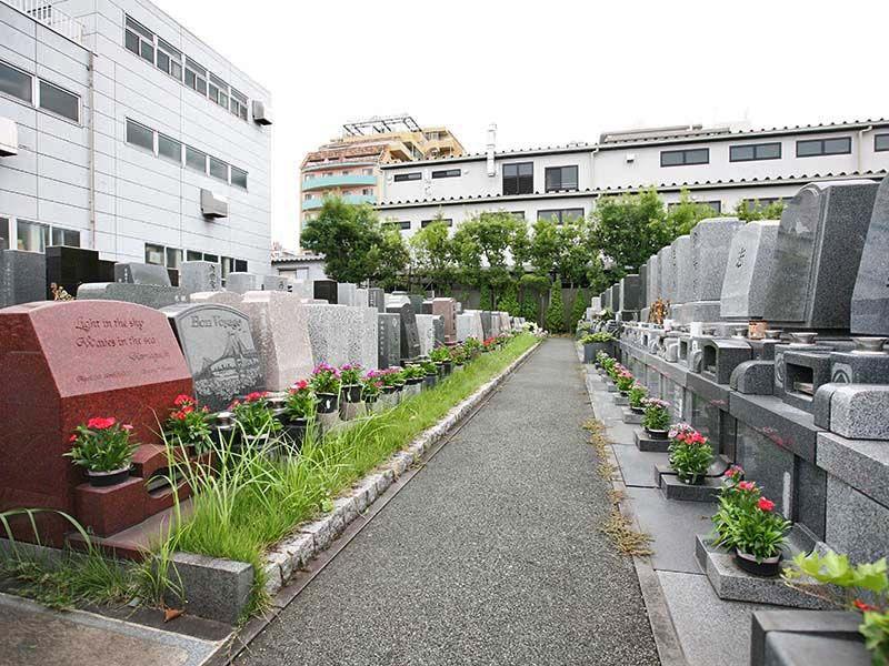 江東メモリアル 年間管理料でお花を常設