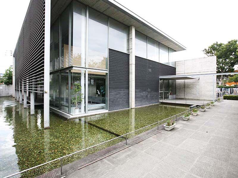江東メモリアル 管理事務所に併設された「久遠の泉」