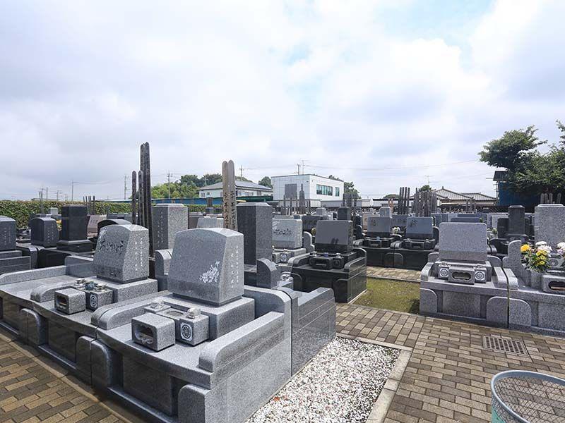 殿山聖地墓苑 きちんと区画された墓域