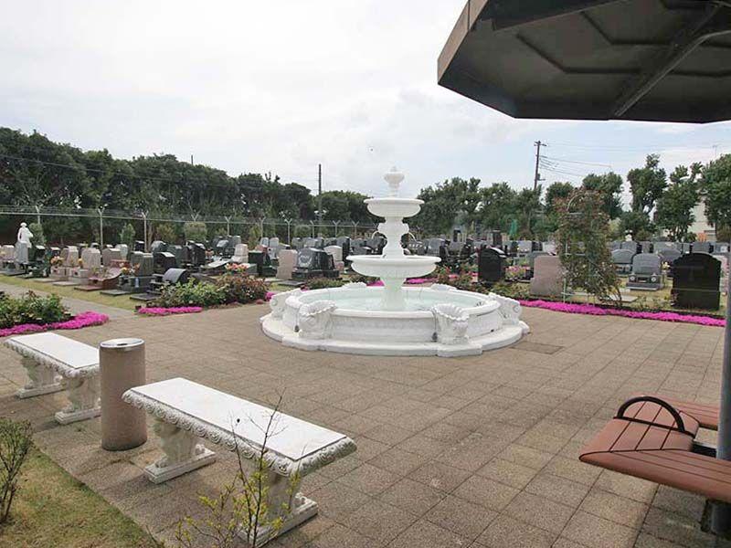 メモリアルパーク花の郷聖地 相模大塚 明るい雰囲気の園内