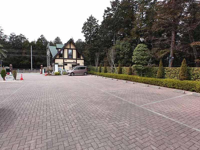 大和中央霊園 大型駐車場
