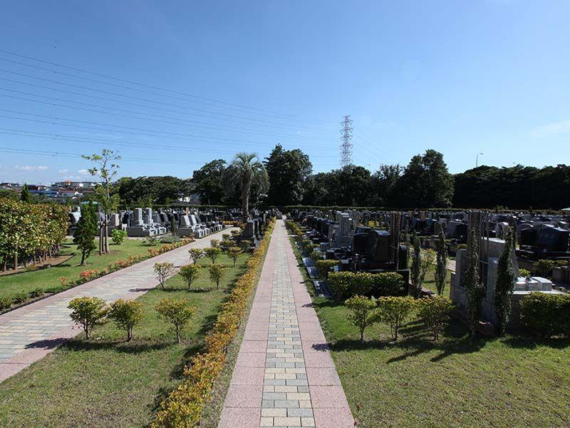 横浜二俣川霊園 日当たりが良く緑豊かな墓域