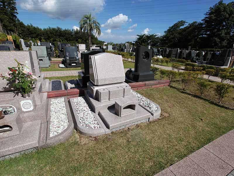 横浜二俣川霊園 ゆとりある設計の墓域