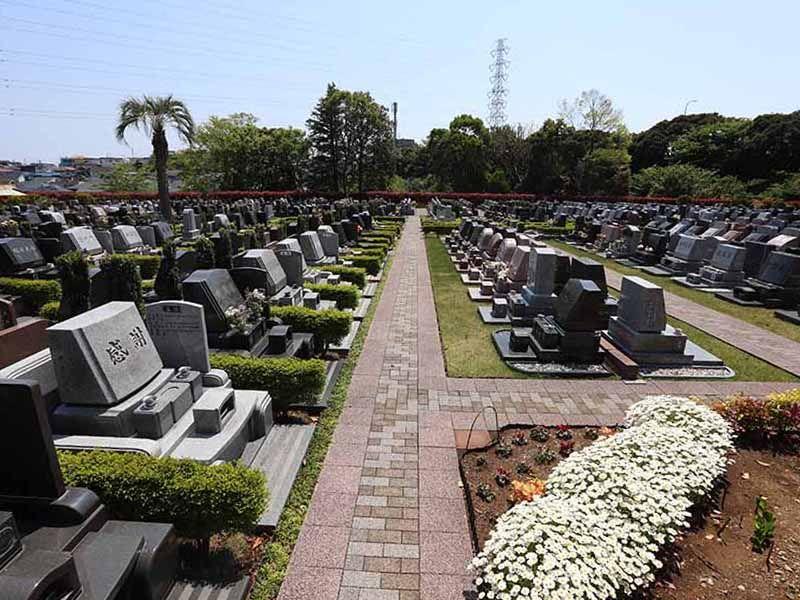横浜二俣川霊園 四季折々の花を楽しめる墓域