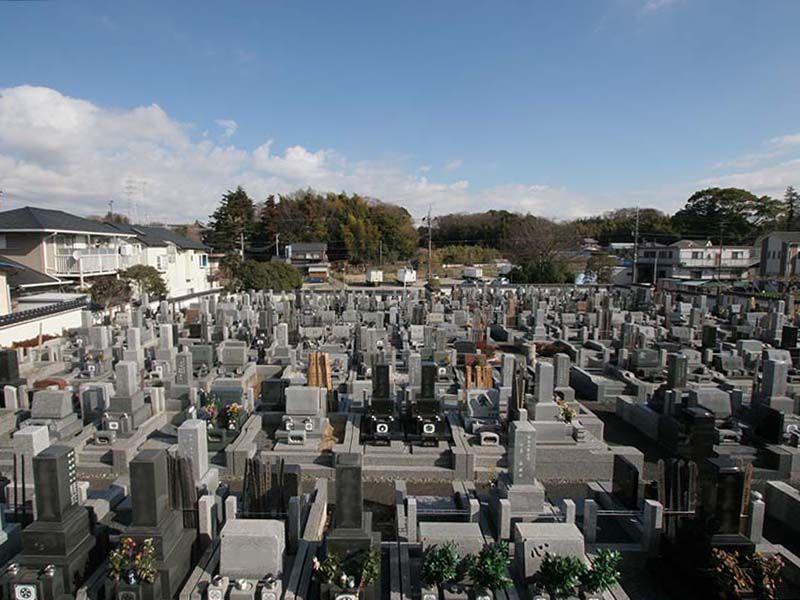 湘南泉霊園 住宅街のなかにある墓地