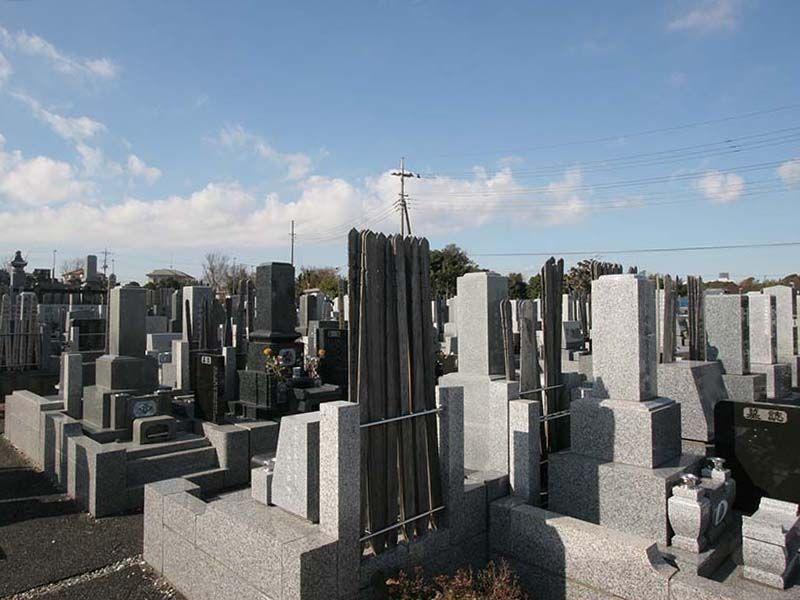 湘南泉霊園 丁寧に管理された墓域