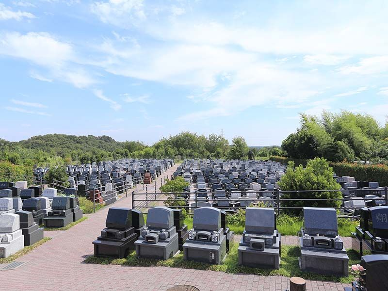南大沢ハヤブサバレー バリアフリー設計なのでどなたでも安心してお参りできる墓域