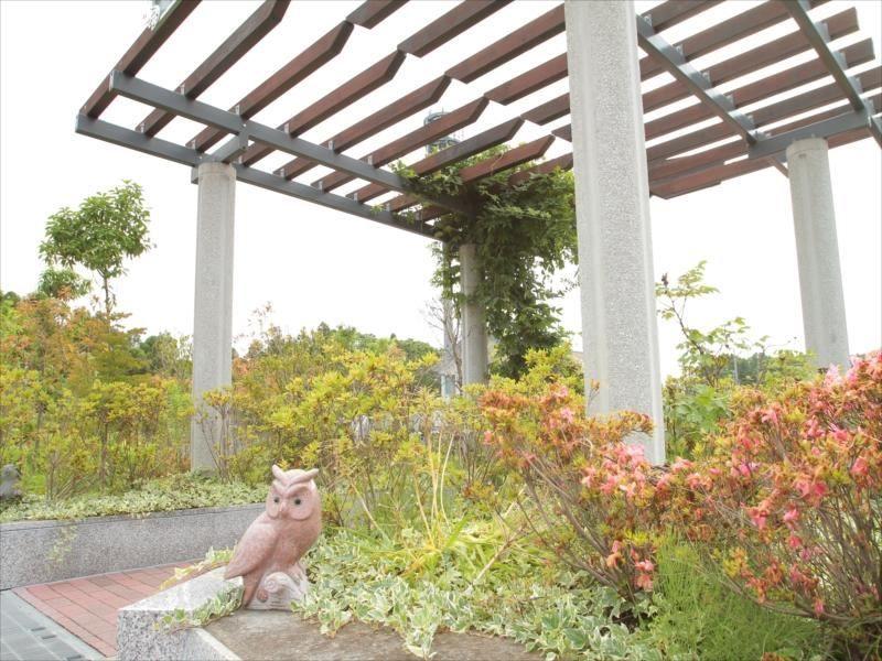 南大沢バードヒルズ 手入れの行き届いた植栽が美しい霊園風景②