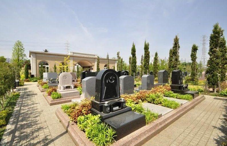 フォーシーズンメモリアル新座 デザイン墓石が建立