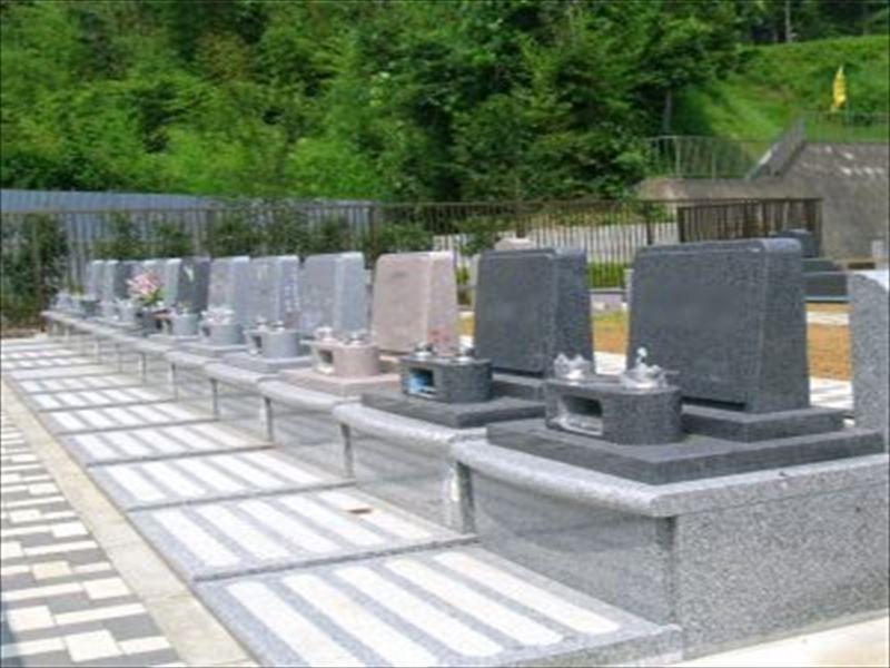 八千代聖苑 バリアフリー設計でどなたでも安心してお参りできる墓域