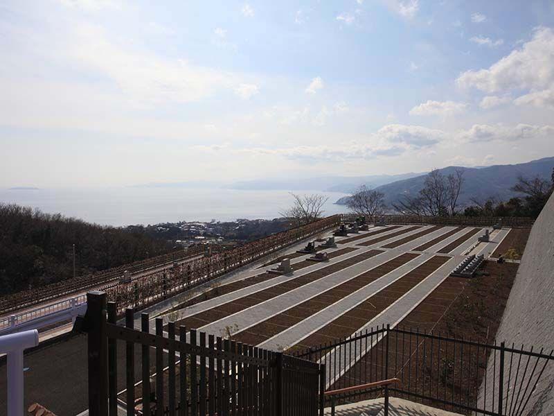 空と海 新・吉祥公園墓地 海が見える高台にある墓域