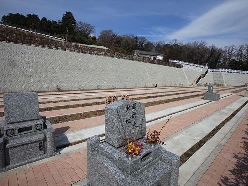 空と海 新・吉祥公園墓地 全ての区画が南向きで明るい墓域