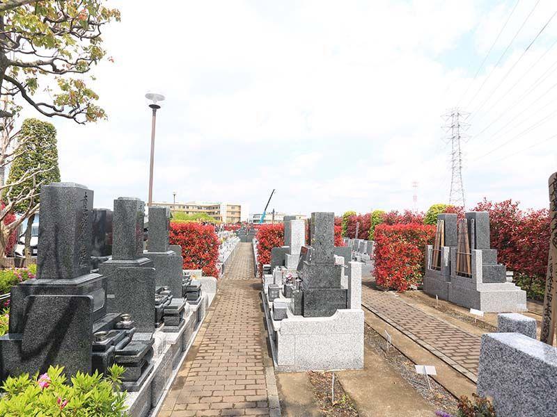 朝霞聖地霊園 区画整理された墓域