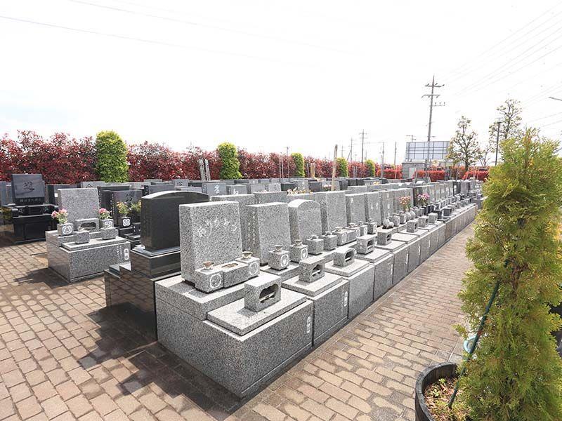 朝霞聖地霊園 自然に囲まれた洋型墓石