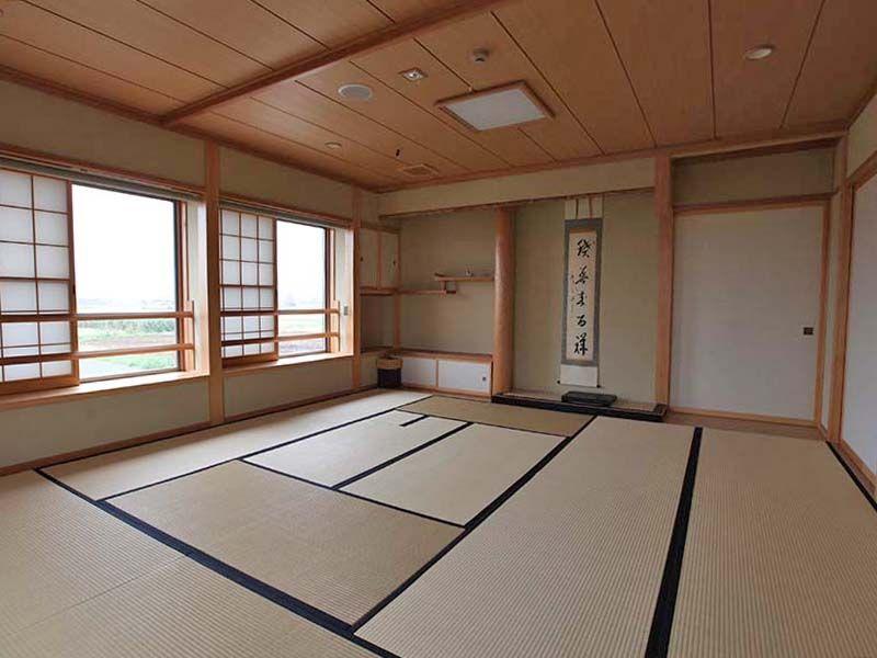 平塚中央霊園Ⅱ 清潔感のある施設内の和室