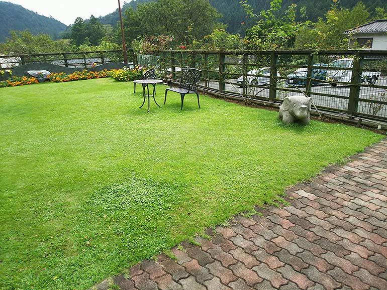 西東京墓苑 緑豊かで静かな霊園風景