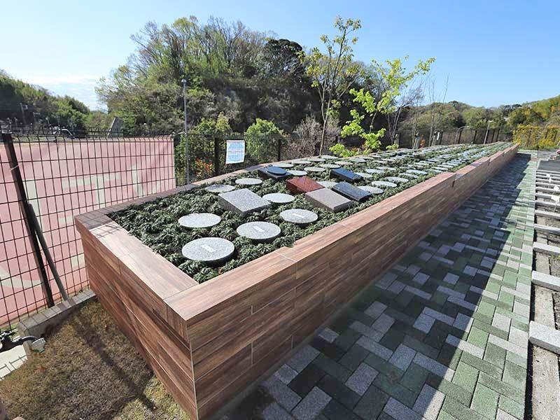 メモリアルパーク大磯 永代供養墓 日当たりのよい庭園墓