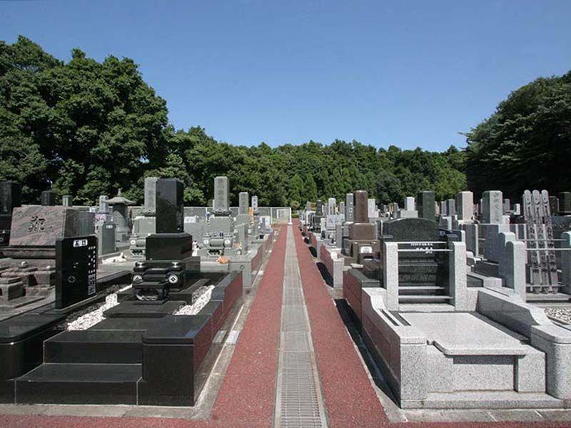 県央綾瀬霊園 緑に囲まれた墓域