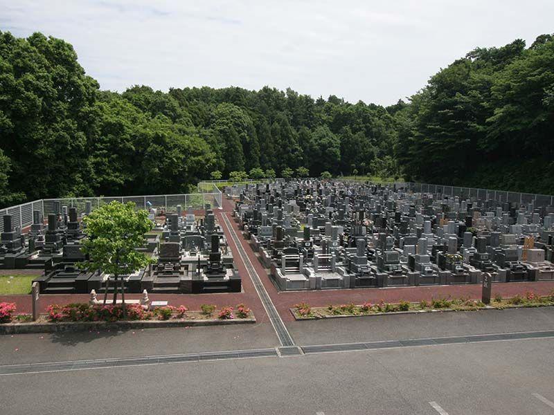 県央綾瀬霊園 バリアフリーでお参りしやすい敷地