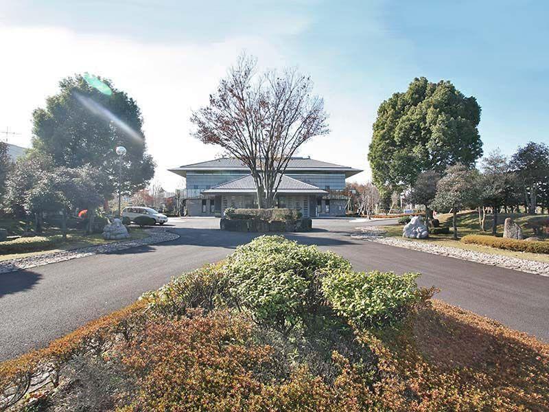 仏子聖地霊園 園内は平坦なバリアフリー構造