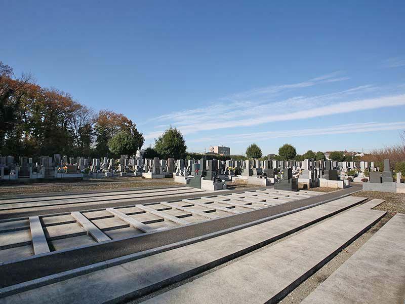 仏子聖地霊園 広々とした墓域