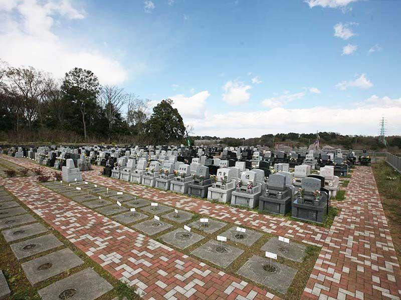 メモリアルパーク緑の丘 区画整理された墓域