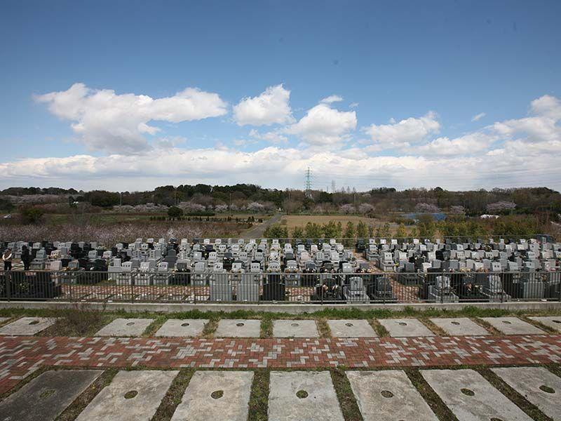 メモリアルパーク緑の丘 一般墓所全景