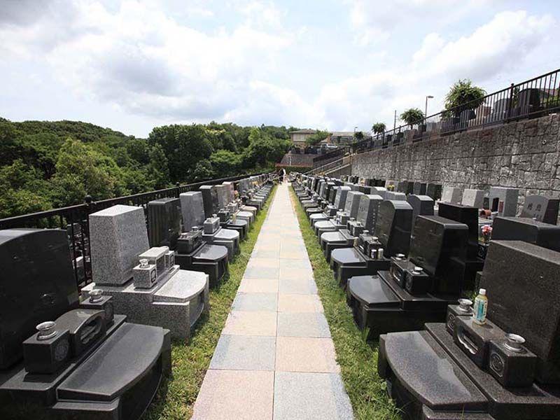 旭翠苑 高台にある墓地
