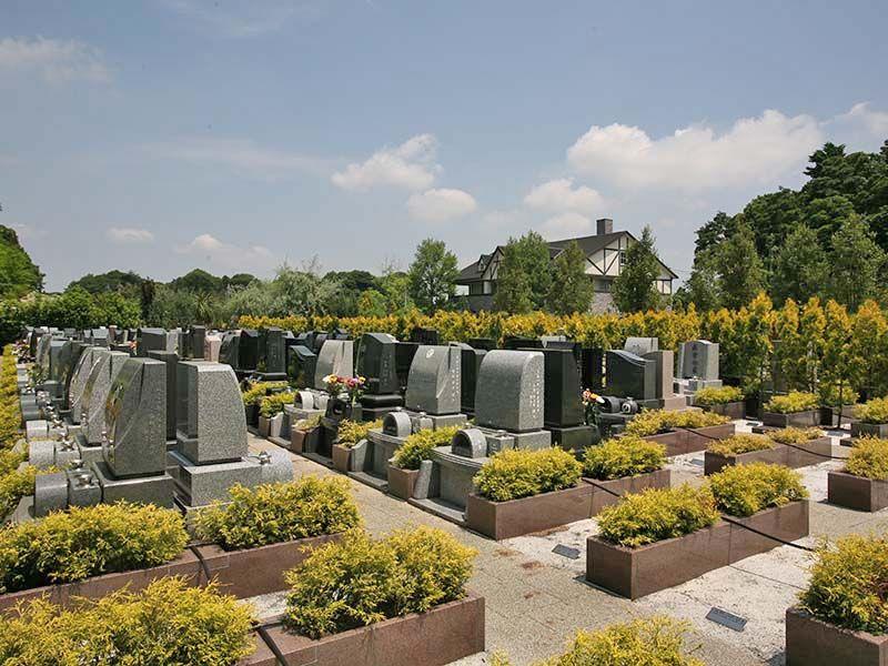 彩の国フォーシーズンメモリアル 木々に囲まれたガーデン墓所