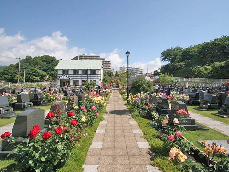 メモリアルパーク花の郷墓苑 厚木宮の里 思わず散策したくなるガーデン墓地