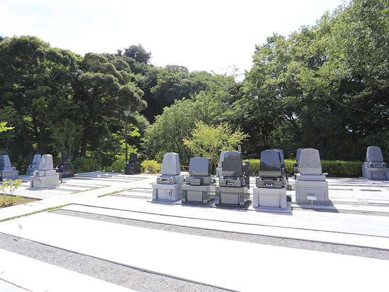 鎌倉湖墓苑二期 緑豊かな墓域