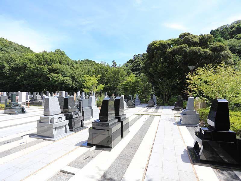 鎌倉湖墓苑二期 日当たりが良く明るい墓域