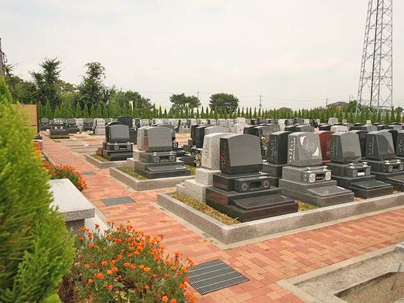 越谷しらこばと霊園 緑に囲まれたテラス墓所