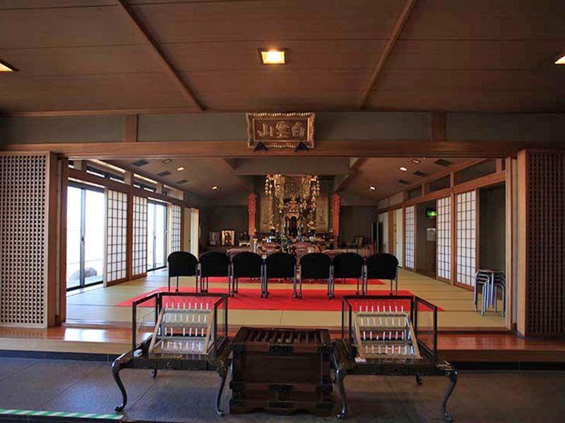 神奈川聖堂 荘厳な本堂