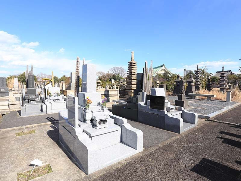 大本山 總持寺(総持寺) 開放感のある墓域