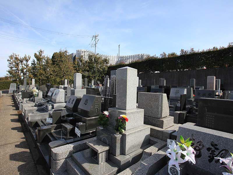 春秋苑 緑に囲まれた墓域