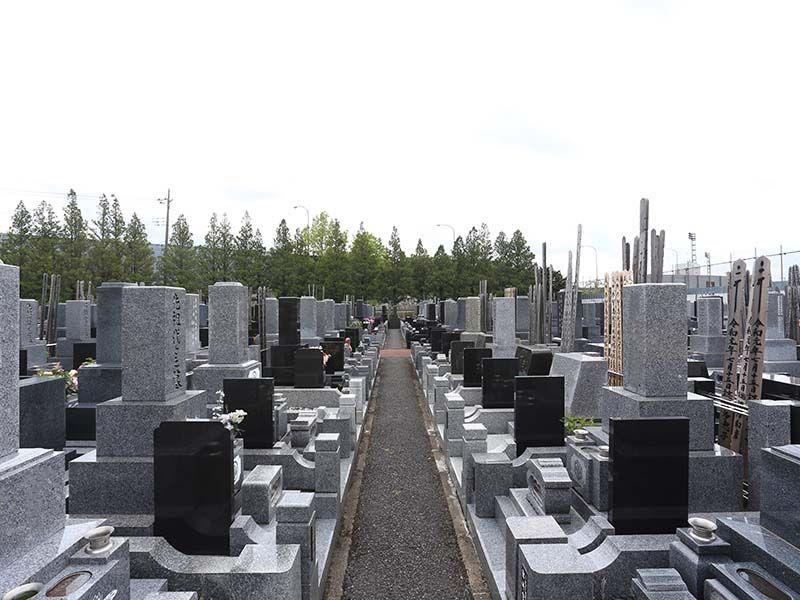 さくら聖地霊園 区画整理された墓域