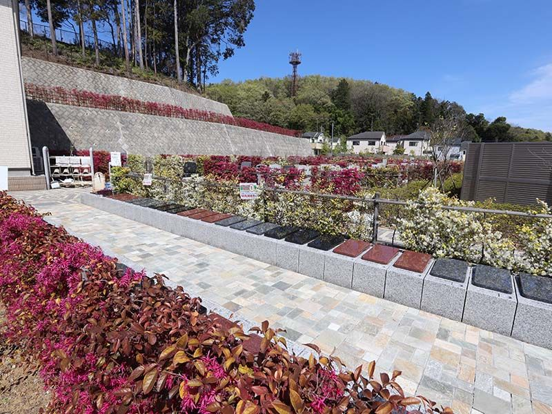 たきやま台墓苑 「永久の祈り」②
