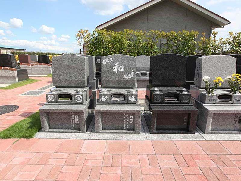なごみの丘霊園 御影石が美しい墓石