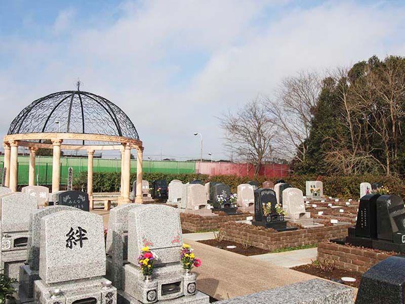 メモリアルパーク大和墓苑 ふれあいの郷 花壇にお墓を建てるような「テラス墓所」