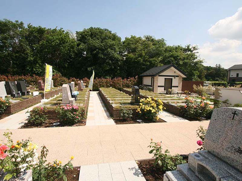 メモリアルパーク大和墓苑 ふれあいの郷 全区画平坦なバリアフリー設計