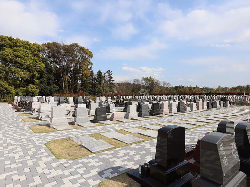 メモリアルパーク藤沢 ゆとりがある墓域