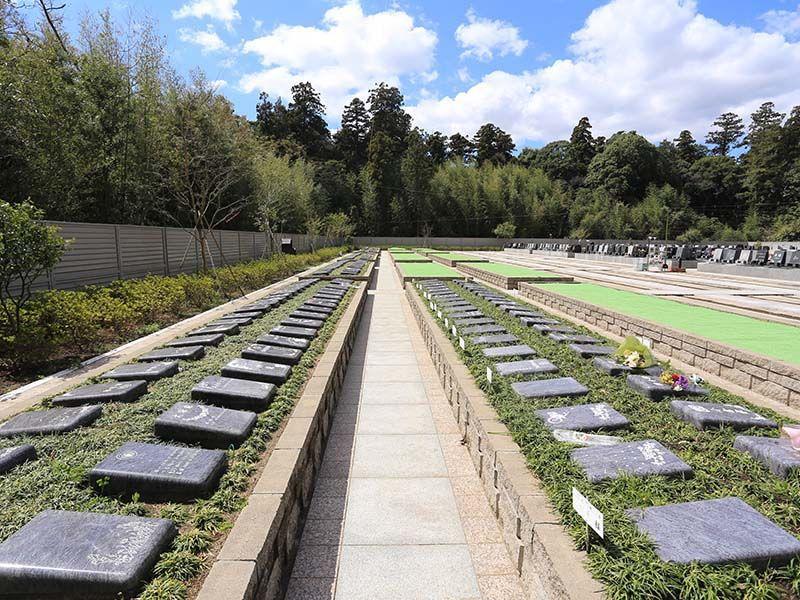 メモリアルガーデン梅郷聖地 開放感のある墓域