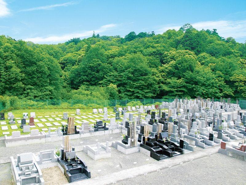 萩霊園 豊かな自然に囲まれた霊園風景