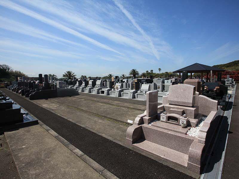 やすらぎの里 南葉山霊園 バラエティ豊かな墓所