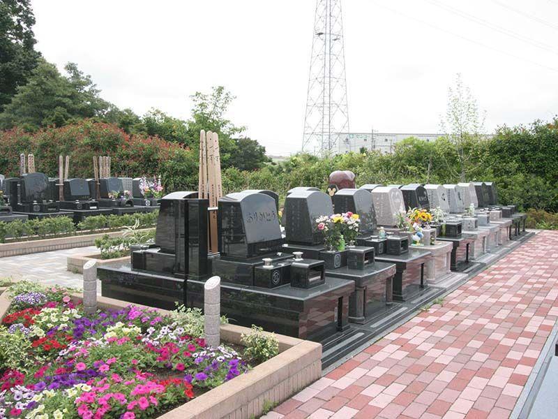 むさしの聖地 永久の郷 花壇のある墓域