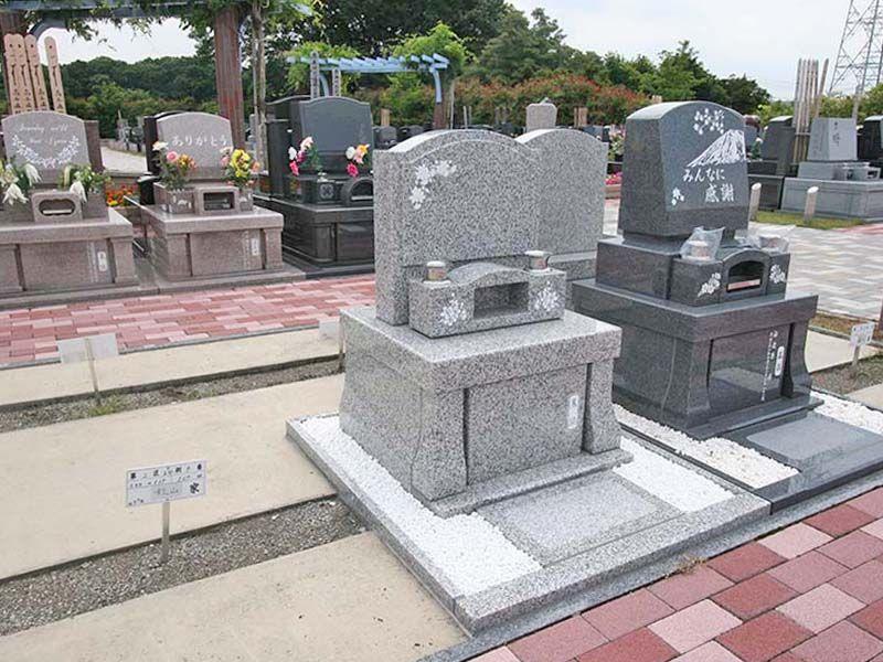 むさしの聖地 永久の郷 色々なデザインの洋風墓石