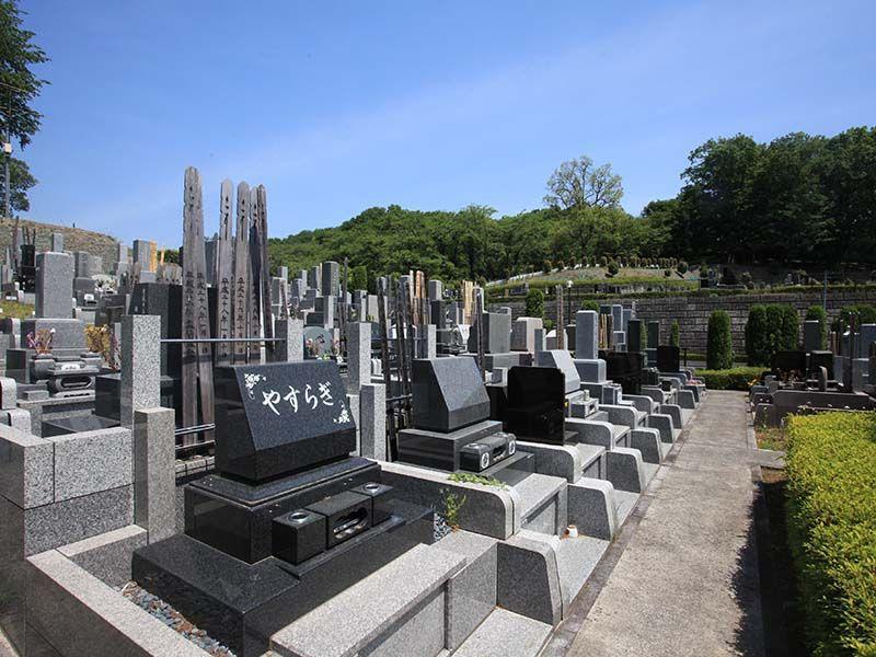 武蔵岡霊園 手入れの行き届いた墓域